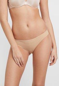 Zalando Essentials - 3 PACK - Stahovací prádlo - nude - 2