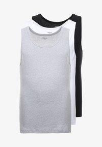 grey/black/white
