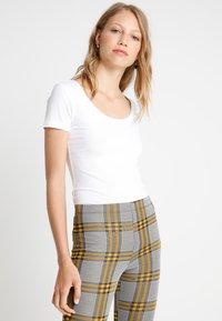 Zalando Essentials Tall - 2 PACK  - T-shirt basic - black/white - 0