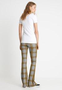 Zalando Essentials Tall - 2 PACK  - T-shirt basic - black/white - 2