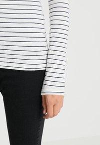 Zalando Essentials Tall - Top sdlouhým rukávem - offwhite/dark blue - 5