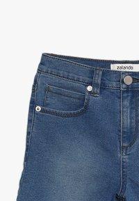 Zalando Essentials Kids - Short en jean - light-blue denim - 4