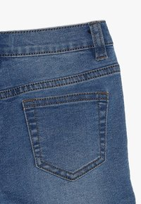 Zalando Essentials Kids - Short en jean - light-blue denim - 2