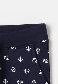 Zalando Essentials Kids - Teplákové kalhoty - peacoat - 4