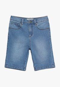 Zalando Essentials Kids - Džínové kraťasy - light blue denim - 0