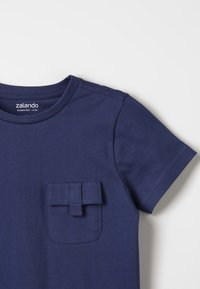 Zalando Essentials Kids - Jednoduché triko - crown blue - 4