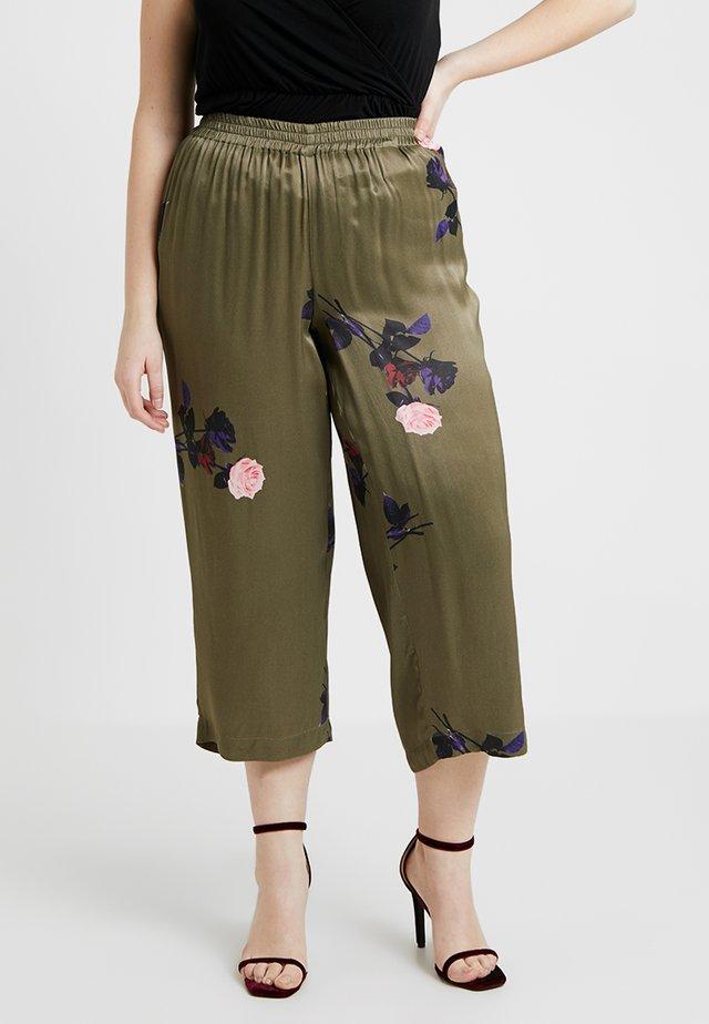 YMALINA LONG PANT - Kangashousut - ivy green