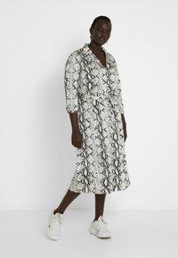 ZAY - YLAILA DRESS - Košilové šaty - white - 2