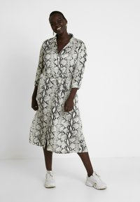 ZAY - YLAILA DRESS - Košilové šaty - white - 0