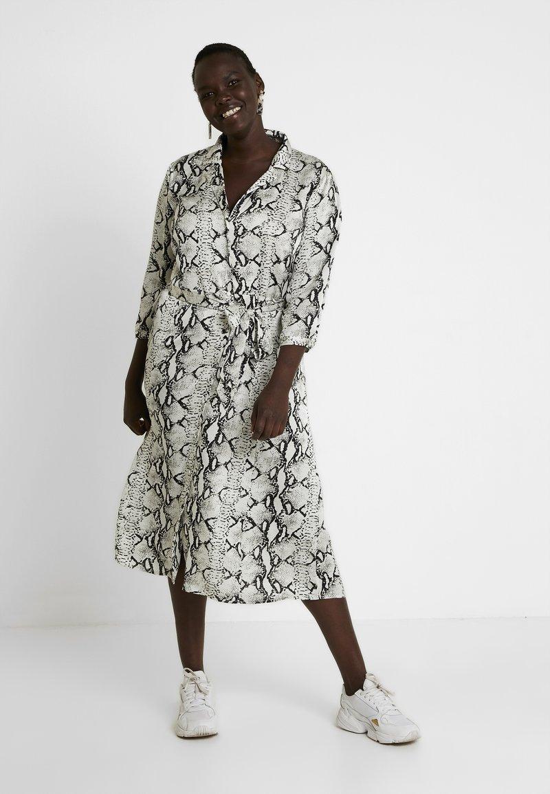 ZAY - YLAILA DRESS - Košilové šaty - white