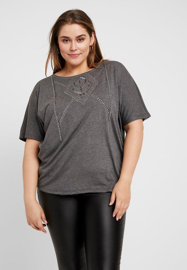 YALVIRA - T-shirt z nadrukiem - dark grey melange