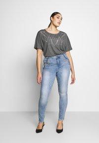 ZAY - YALVIRA - T-shirt print - light grey melange - 1