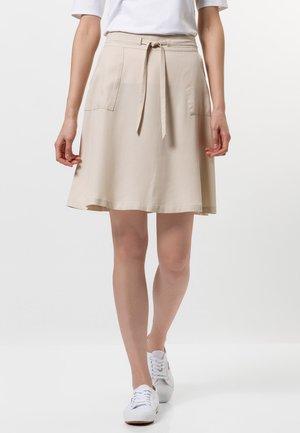 MIT TUNNELZUG - A-line skirt - white sand