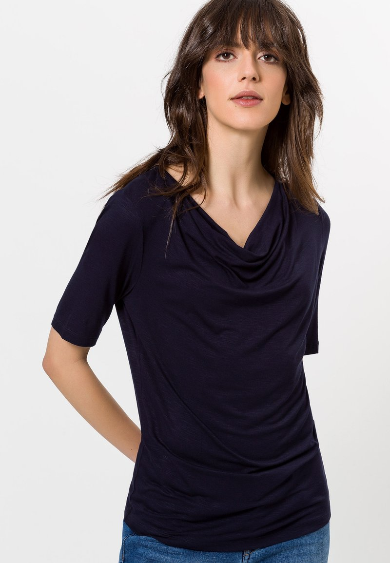 zero - MIT WASSERFALLAUSSCHNITT - Print T-shirt - blue black