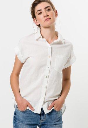 MIT KNOPFLEISTE - Button-down blouse - offwhite