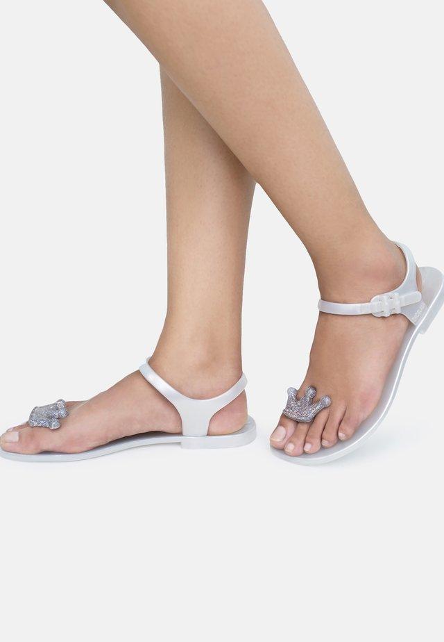 QUEEN - T-bar sandals - white