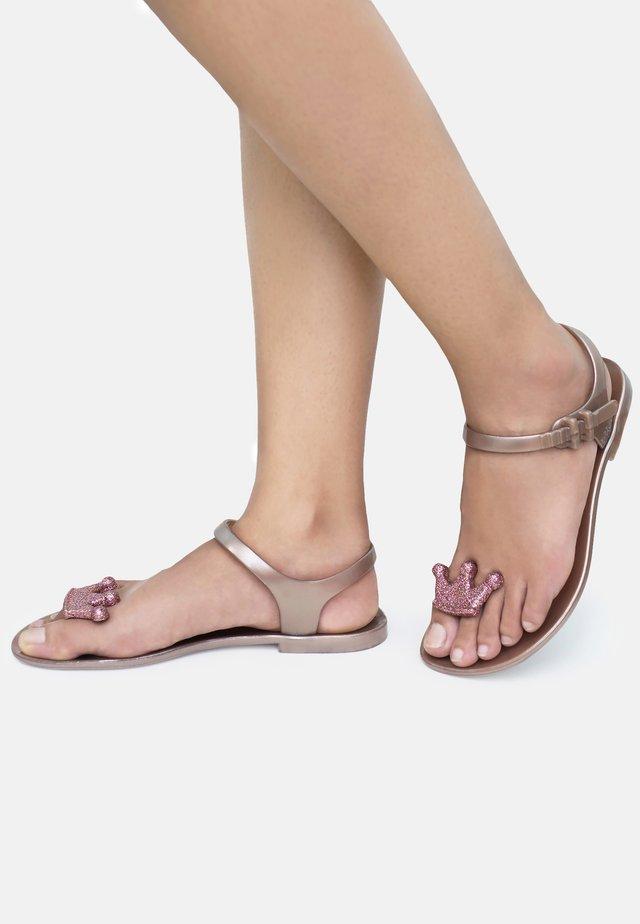 QUEEN - T-bar sandals - pink