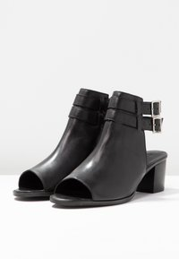 Zign - Ankle cuff sandals - black - 4