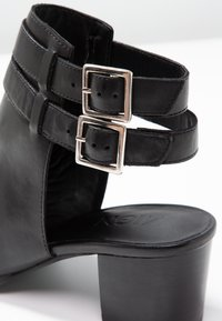 Zign - Ankle cuff sandals - black - 2
