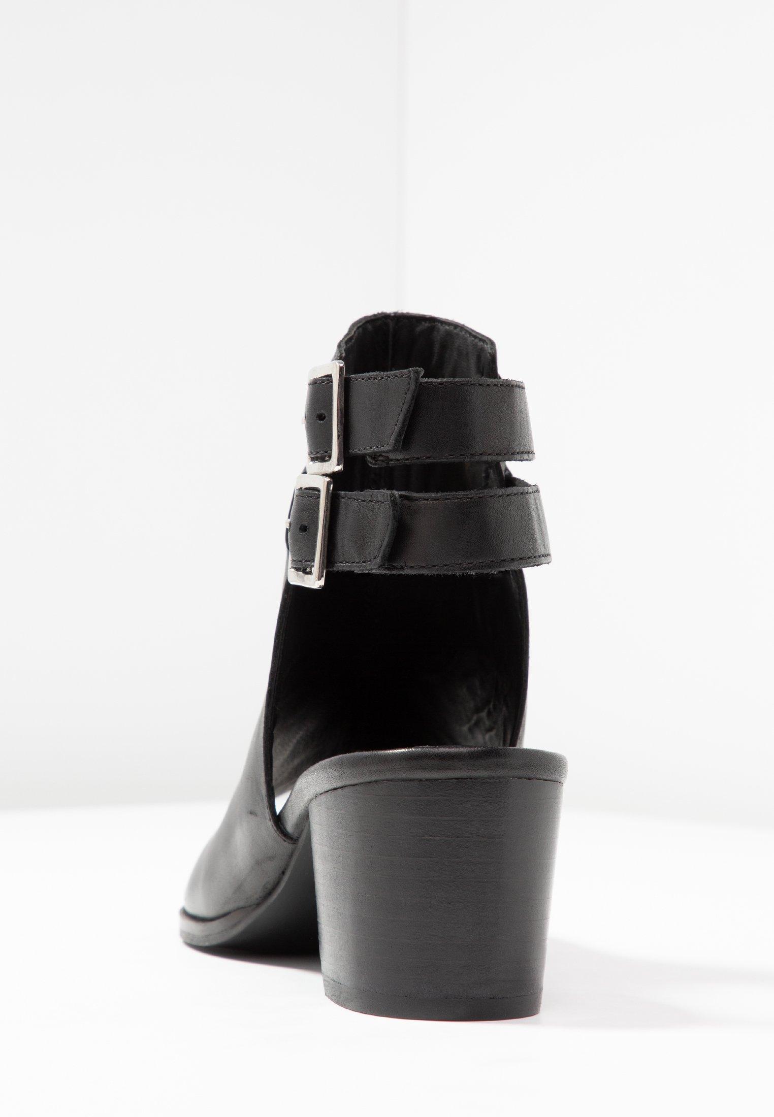 Zign Sandały z cholewką - black