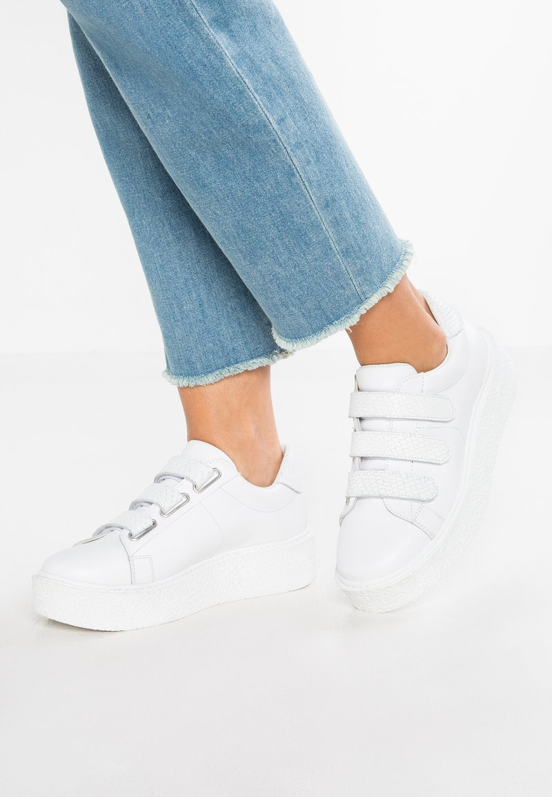 Zign - Baskets basses - white