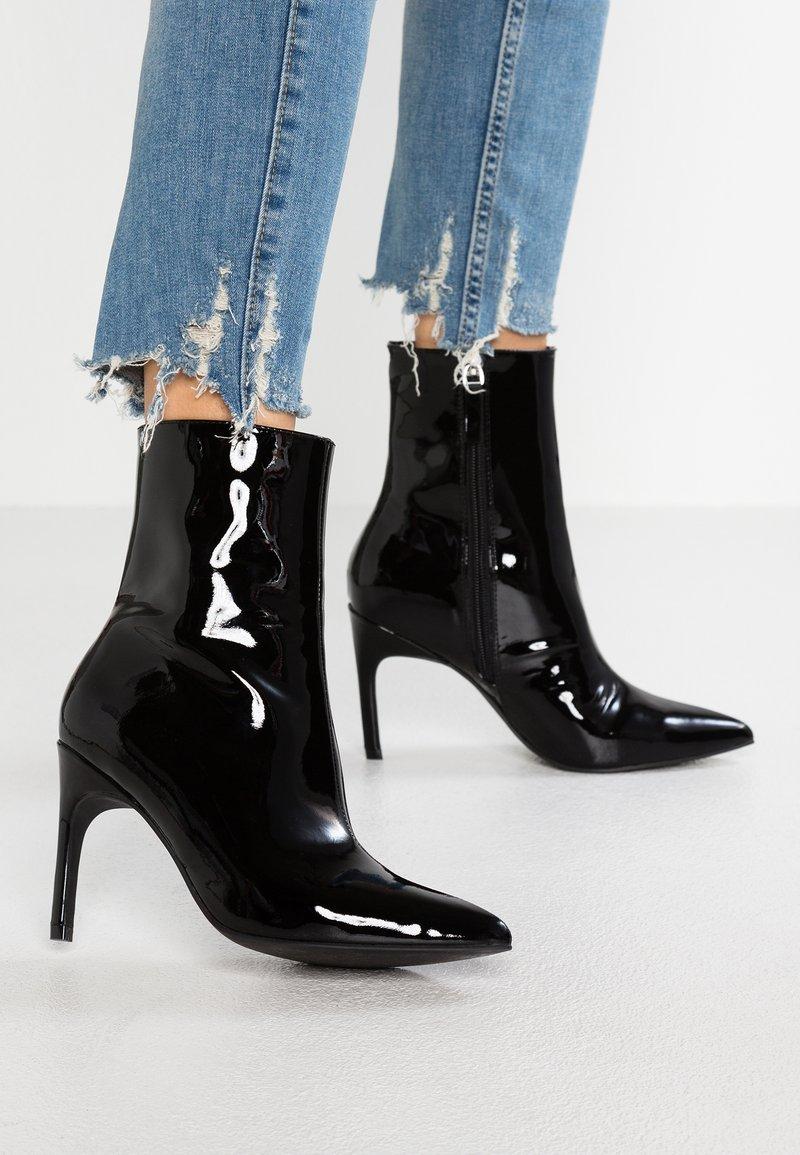 Zign - Højhælede støvletter - black