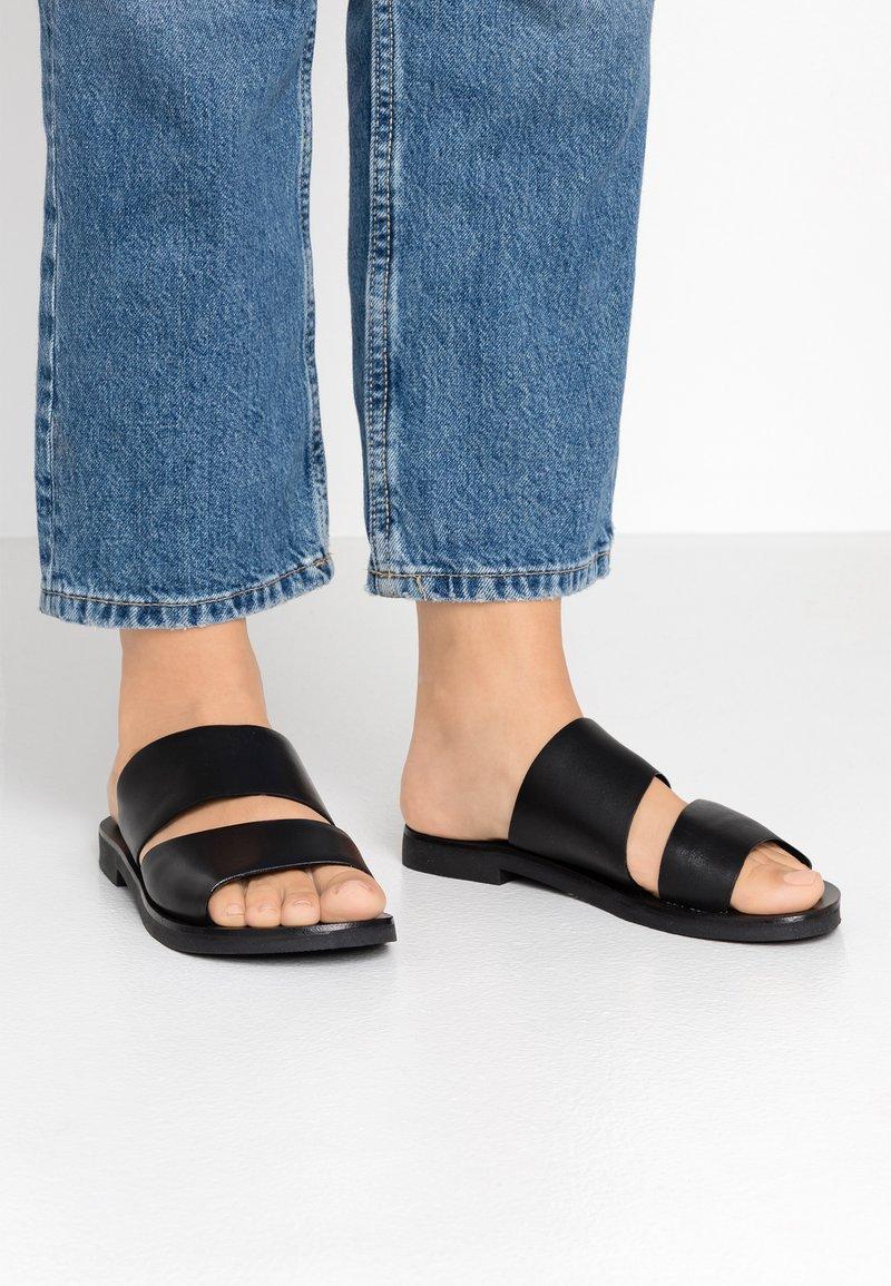 Zign - Pantolette flach - black