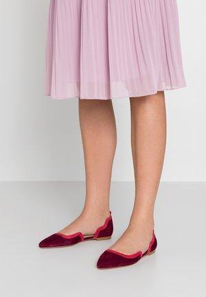Klassischer  Ballerina - purple