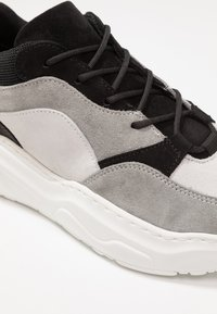 Zign - Trainers - grey - 2