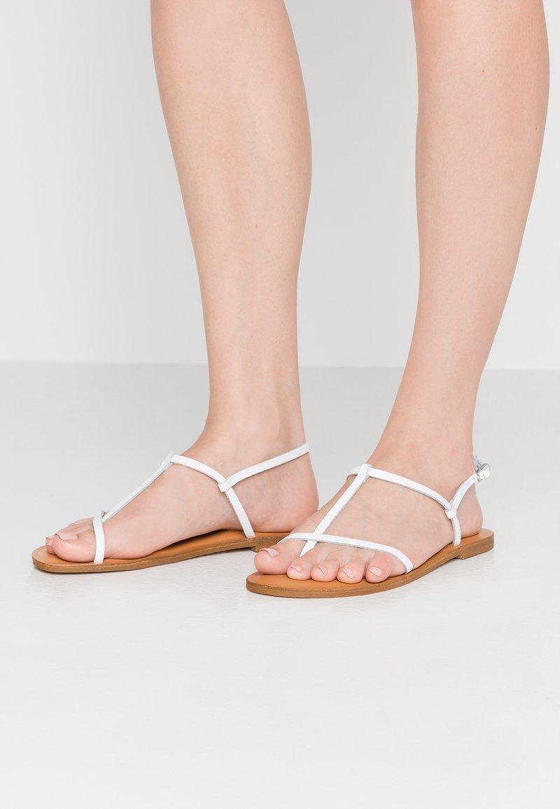 Zign - T-bar sandals - white