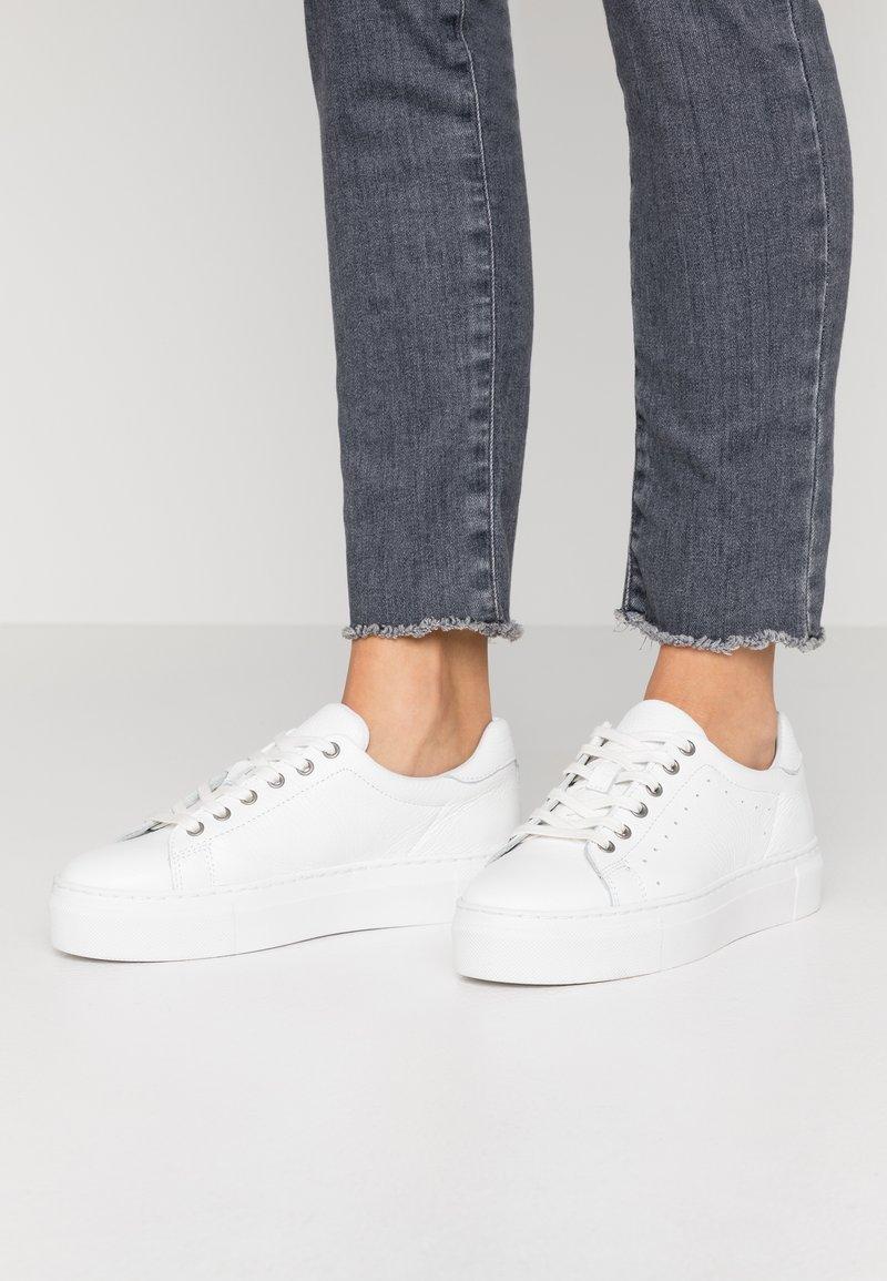 Zign - Joggesko - white