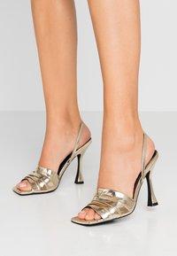Zign - Sandály na vysokém podpatku - gold - 0