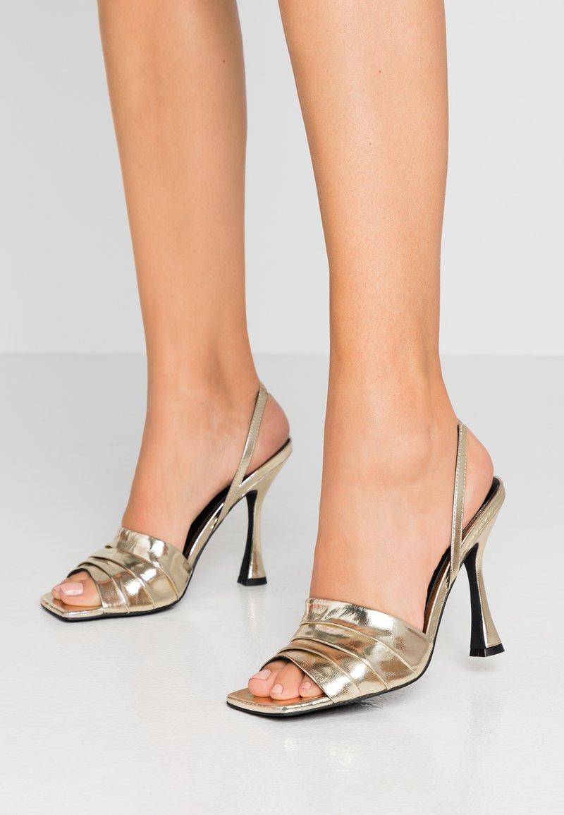 Zign - Sandály na vysokém podpatku - gold