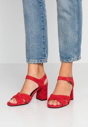 Sandalias de tacón - red
