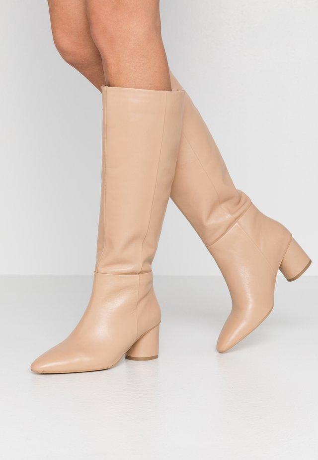 Høje støvler/ Støvler - beige