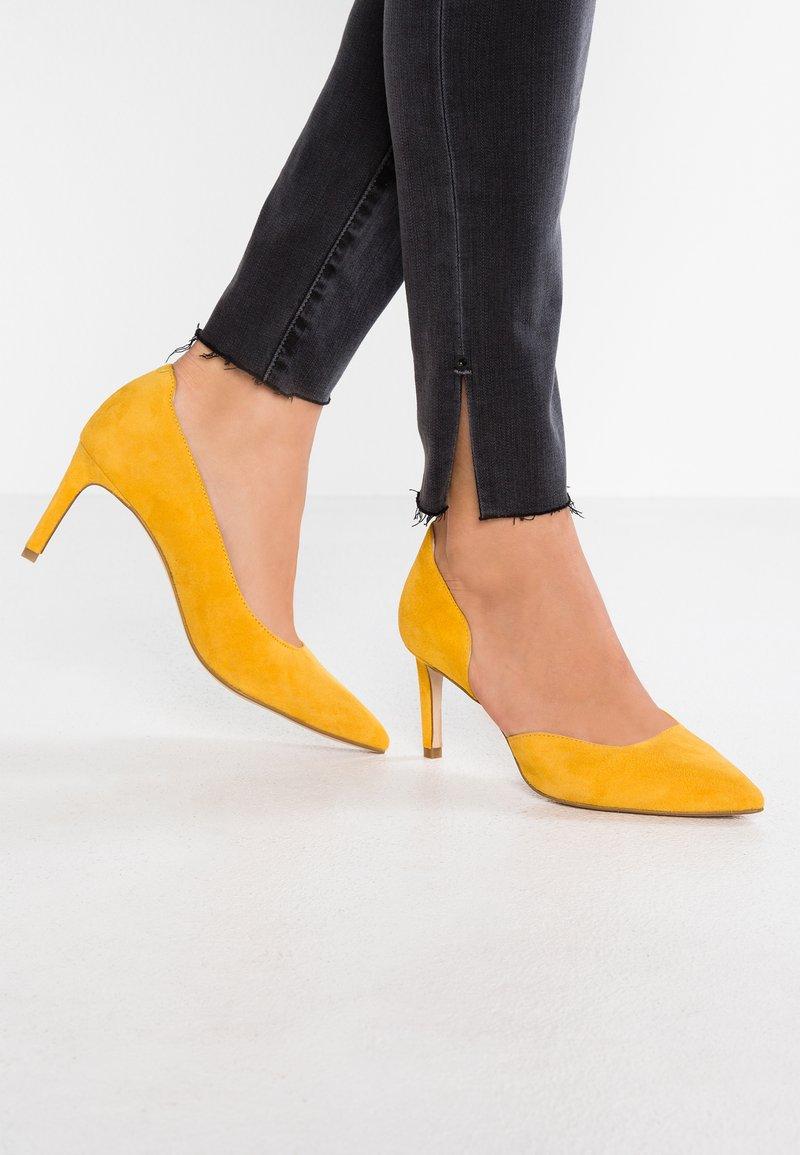 Zign - Pumps - yellow