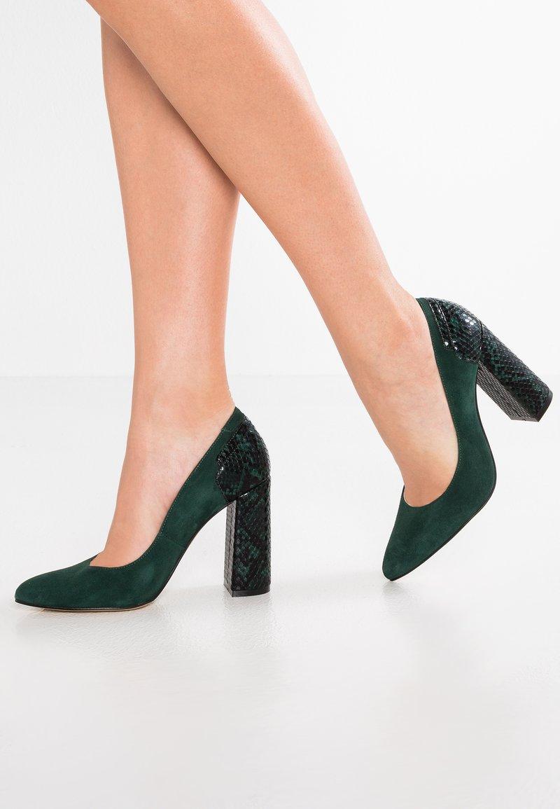 Zign - Højhælede pumps - dark green