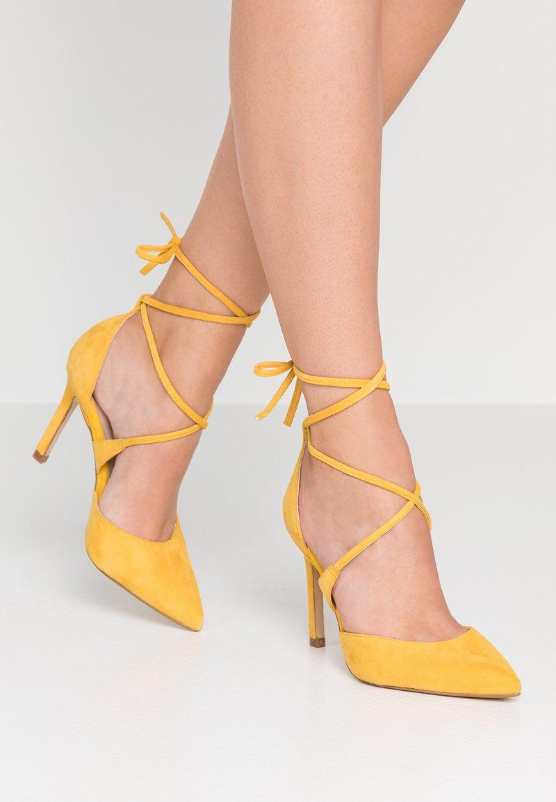 Zign - High heels - yellow