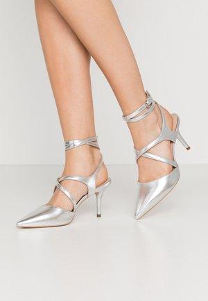 Klasické lodičky - silver