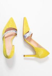 Zign - Zapatos altos - yellow - 3
