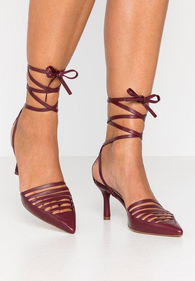 Lace-up heels - bordeaux