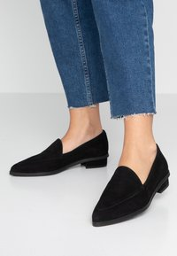 Zign - Loaferit/pistokkaat - black - 0