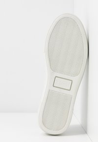 Zign - Slippers - white - 6