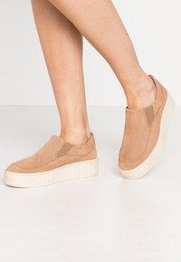Zign - Slippers - beige - 0