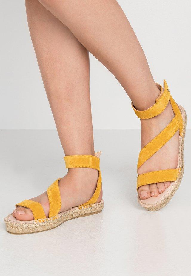 Espadrilles - yellow