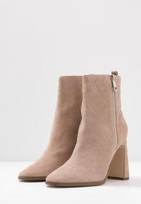 Zign - Kotníkové boty - nude - 4