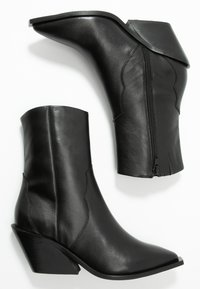 Zign - Cowboy/biker ankle boot - black