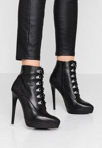 Zign - Højhælede støvletter - black - 0