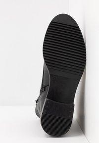 Zign - Šněrovací kotníkové boty - black - 6