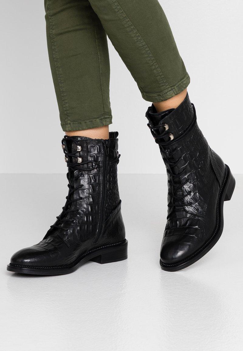 Zign - Botines con cordones - black
